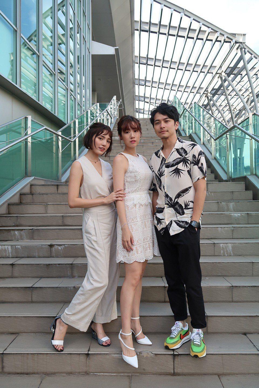 楊銘威(右起)、方志友、謝雨芝出席越南影視節。圖/TVBS提供