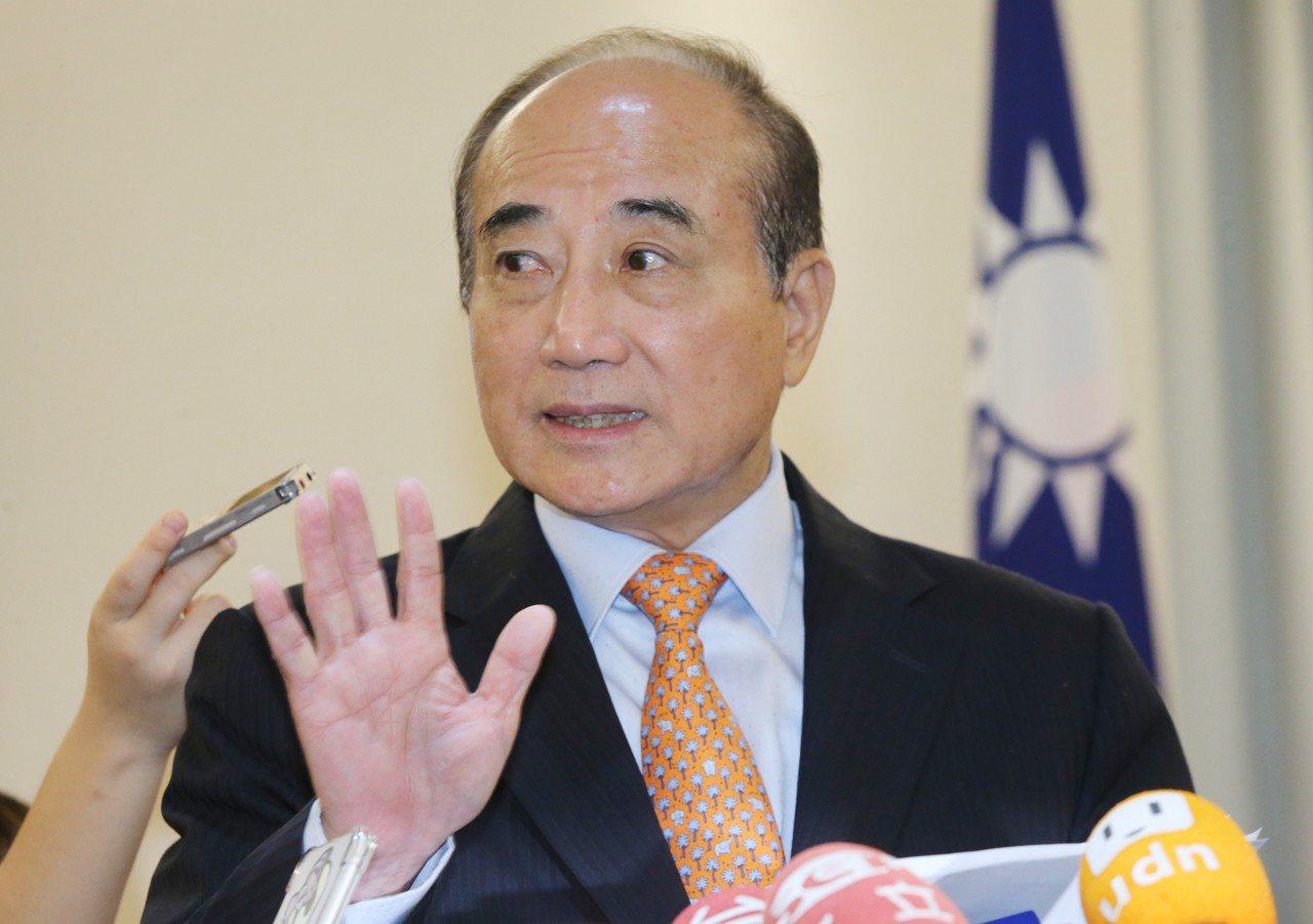 立法院前院長王金平在與五人小組會後,隨即宣布不參加總統初選。 記者曾學仁/攝影