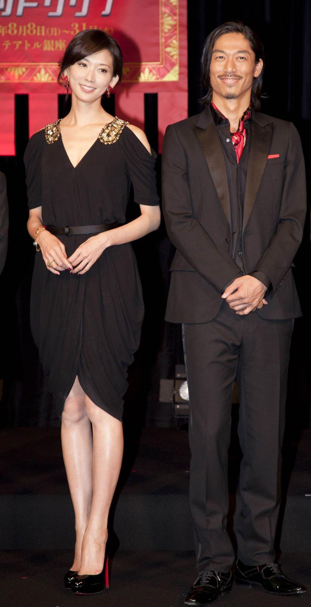 林志玲與放浪兄弟AKIRA情牽舞台劇「赤壁~愛~」。圖/凱渥提供