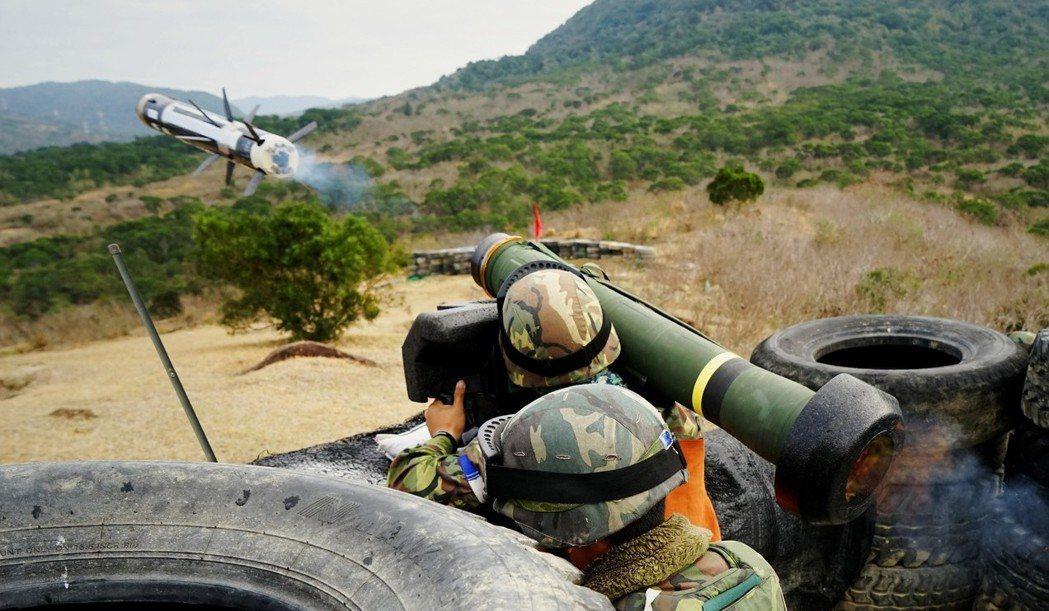 刺針飛彈屬於輕型反戰車飛彈,一名士兵就可以操作。 圖/國防部青年日報提供