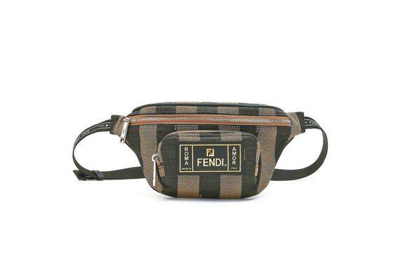 FENDI的腰包以二元對立的字句設計,價格店洽。 圖/各業者提供