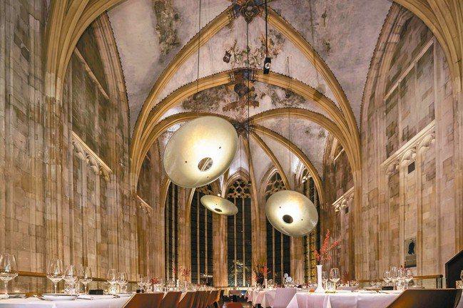 荷蘭馬斯垂克的Kruisherenhotel將一座教堂改建成高級旅館。 圖/謝忠...