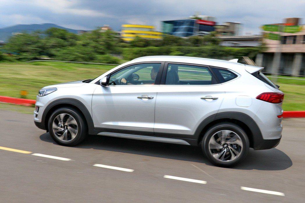 Hyundai Tucson在德國大廠Sachs避震器加持下,保有路感卻不會過於...