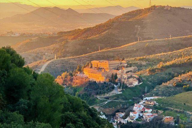 享受大自然! 西班牙秋天的童話 格拉納達山系健行