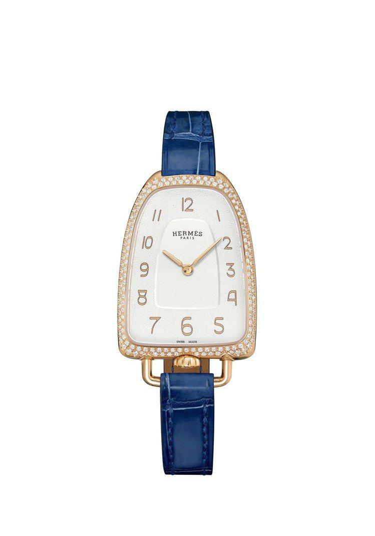Galop d'Hermès玫瑰金鑲鑽款搭配寶石藍色短吻鱷魚皮表帶,50萬8,8...