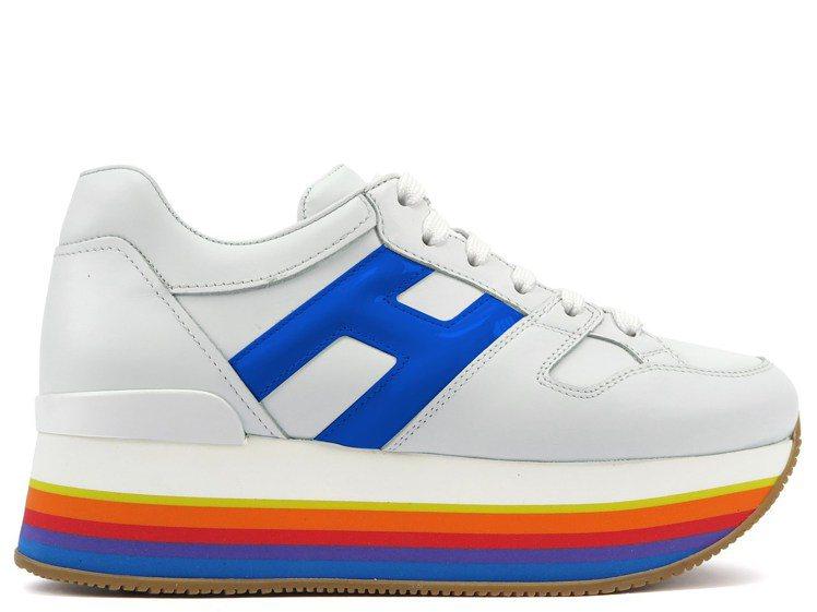 HOGAN MAXI H222藍色厚底休閒鞋,20,600元。圖/迪生提供