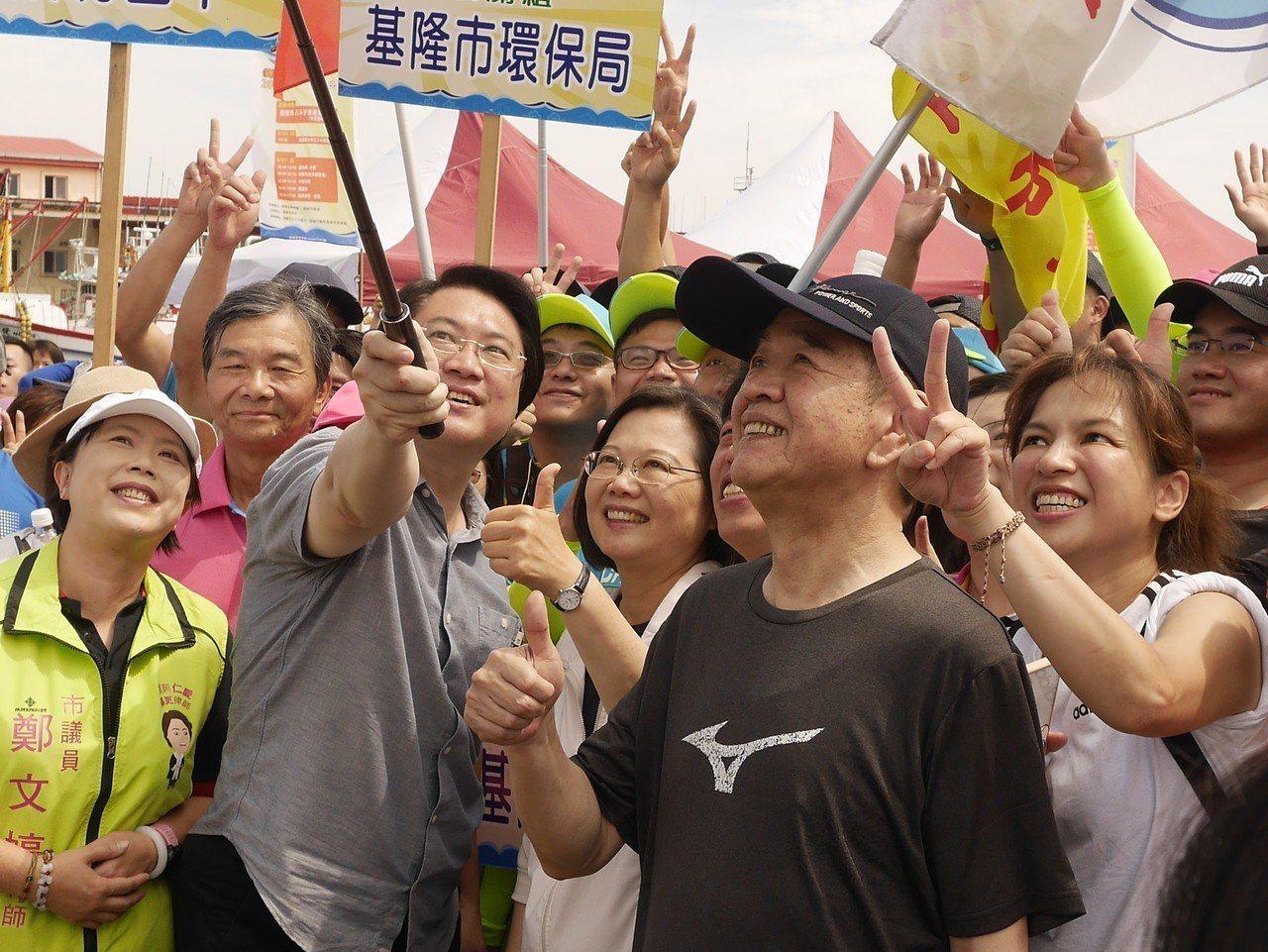 市長林右昌今早真心「告白」,指蔡英文總統是有史以來最支持基隆市的一位總統。記者吳...
