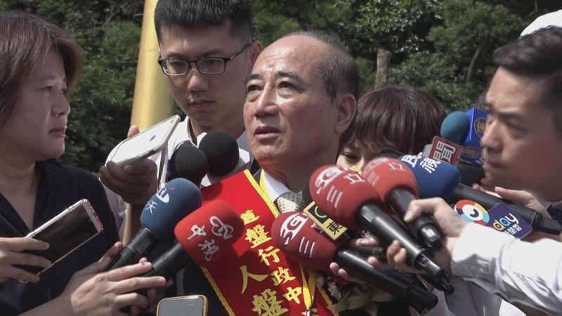 立法院前院長王金平上午到淡水天元宮,回應不參加國民黨黨內初選後的相關問題。記者楊凱竣/攝影