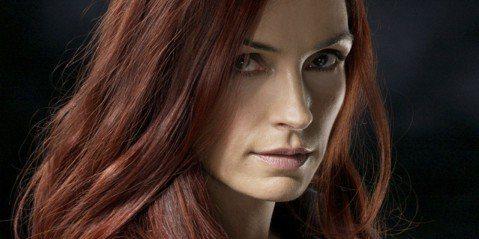 電影「X戰警:黑鳳凰」已經上映,引起網路上極多討論熱度,由於「黑鳳凰」這個經典角色是在系列作二度登場,先前已在「X戰警3:最後戰役」登場過,如今再度登場,飾演前一任「黑鳳凰」的芬姬詹森又是如何看待呢...