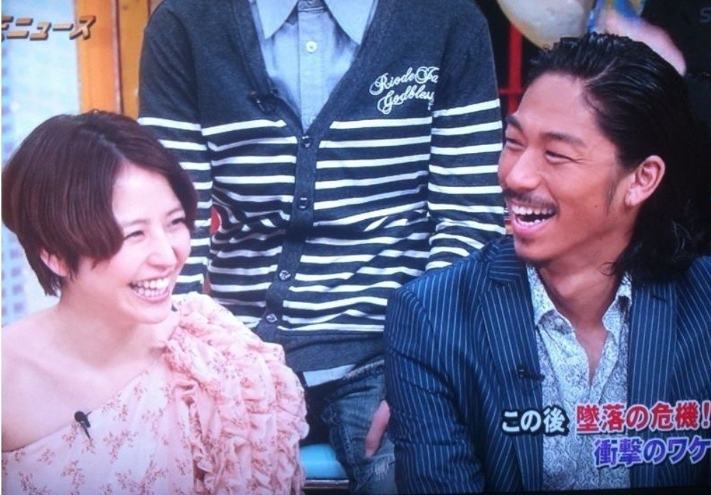 AKIRA曾和長澤雅美傳緋聞。圖/摘自karappo.life