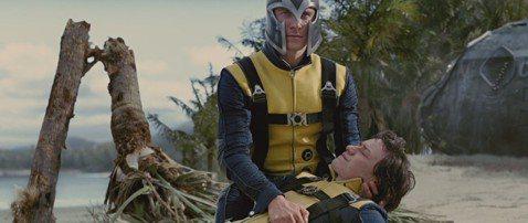 電影「X戰警:黑鳳凰」目前正在上映中,長久以來影迷最愛看的,莫過於X教授、萬磁王的幽默互動,唇齒相依,再加上飾演該角的兩位男星戲裡戲外都是默契十足,而且從來都沒有跟其他女性建立長期的交往關係,似乎真...