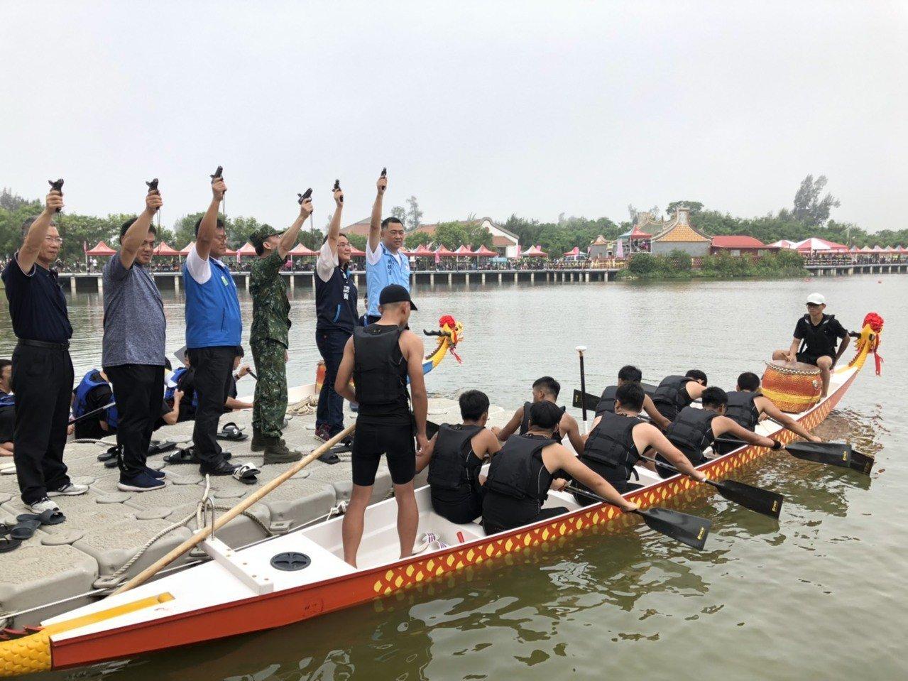 台北龍舟賽/「去年被騙」 柯文哲今年沒下水