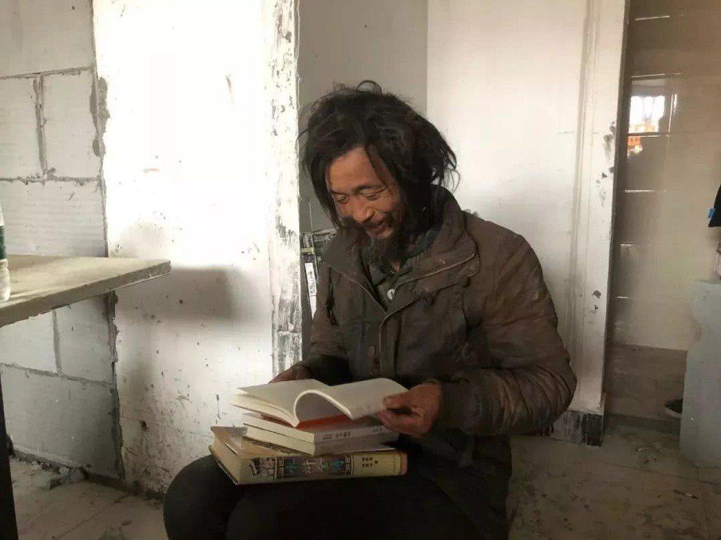 沈巍嗜讀《資治通鑑》、《左傳》、《戰國策》等多種書籍。 圖/摘自微博
