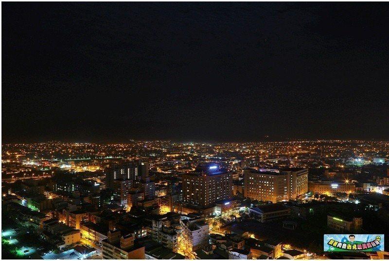 圖/THE ROOF 190高空酒吧可以看見全部宜蘭的夜景,冬山鄉、蘇澳鎮、宜蘭...