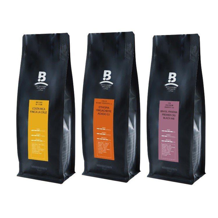 伯朗咖啡館精品咖啡周年慶,6月30日前多款精品咖啡豆買一送一。圖/金車集團提供