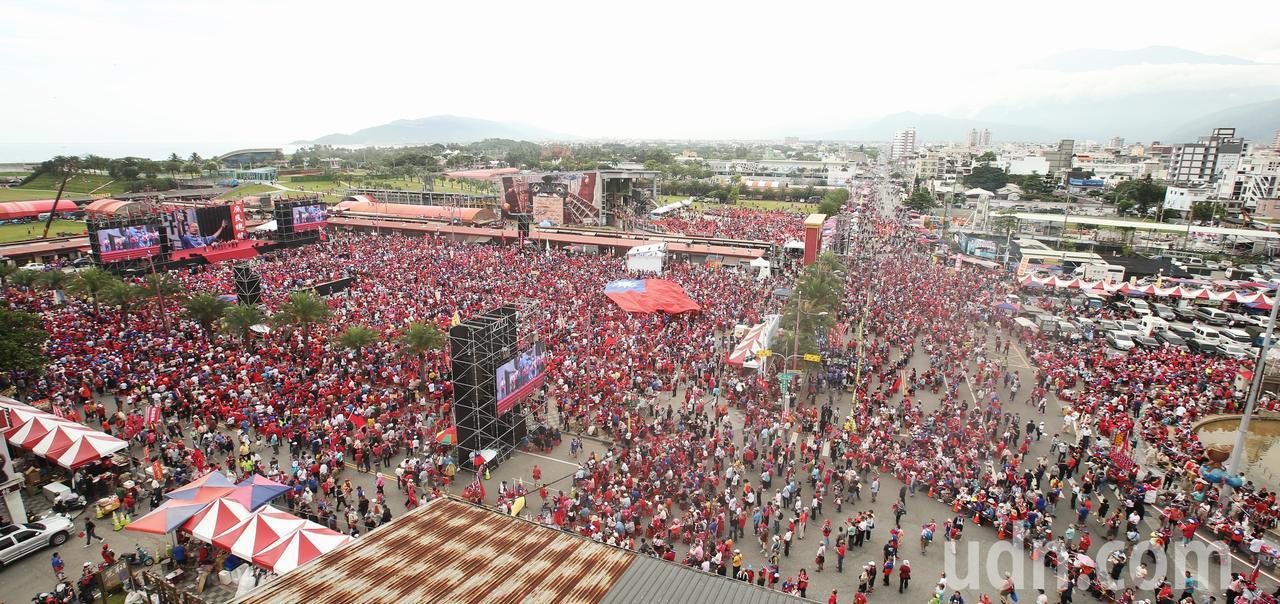 高雄市長韓國瑜第二場造勢活動今在花蓮舉行,場面盛大。記者林澔一/攝影