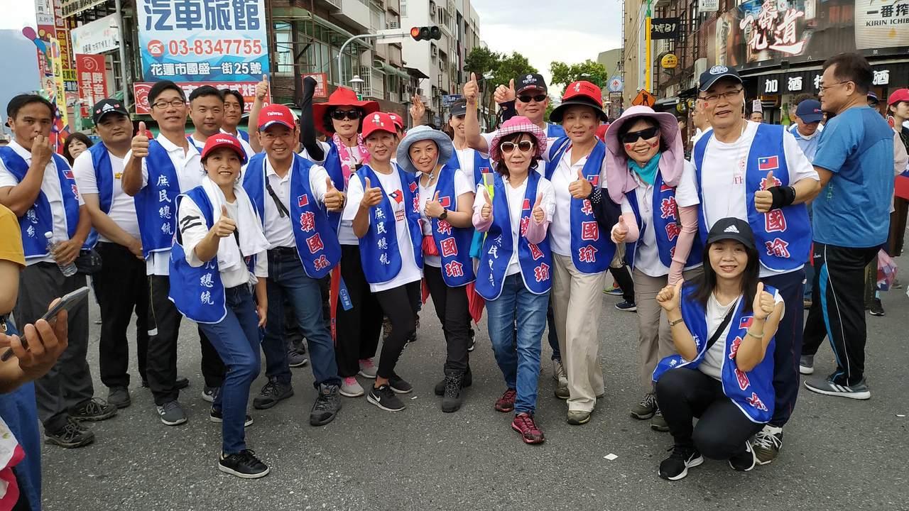 韓國瑜護衛隊陸續集結。記者余衡/攝影