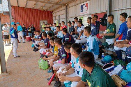 U18青棒/中華藍白對抗賽 藍隊3投賞11K奪首勝