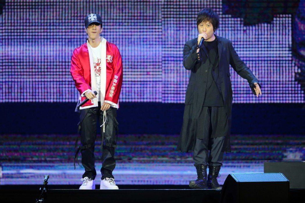 阿信擔任王力宏演唱會嘉賓。記者許正宏/攝影