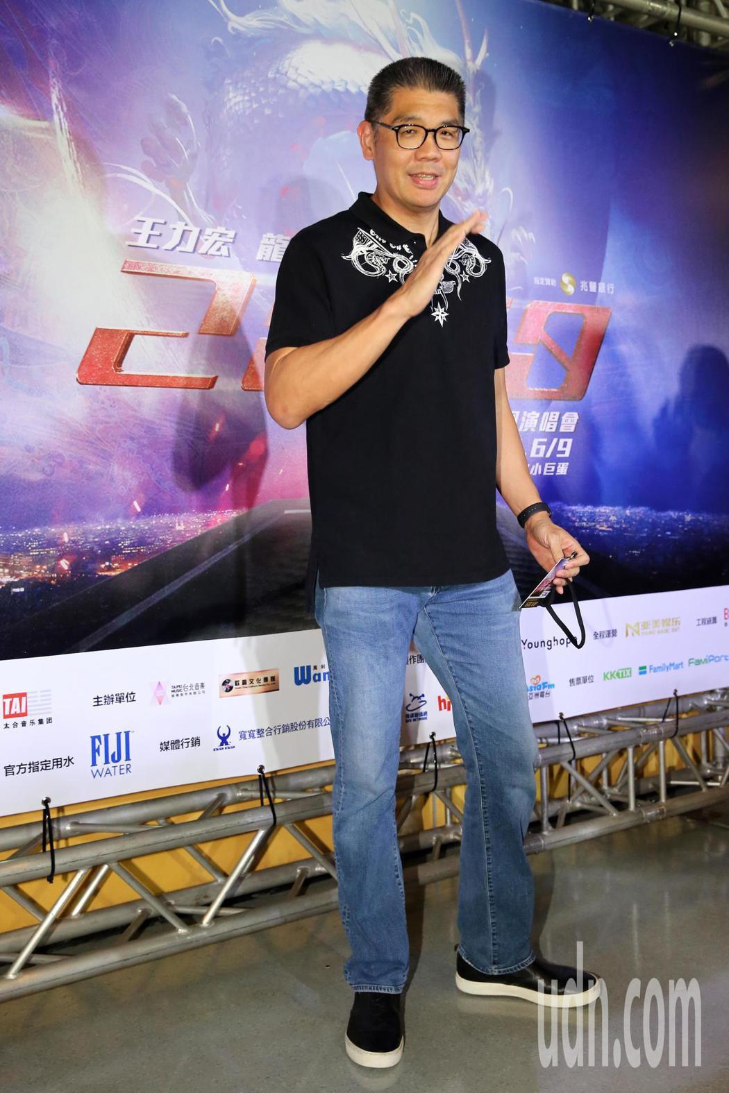 王力宏晚間在台北小巨蛋舉辦「龍的傳人2060」演唱會,好友連勝文(圖)也來演唱會...