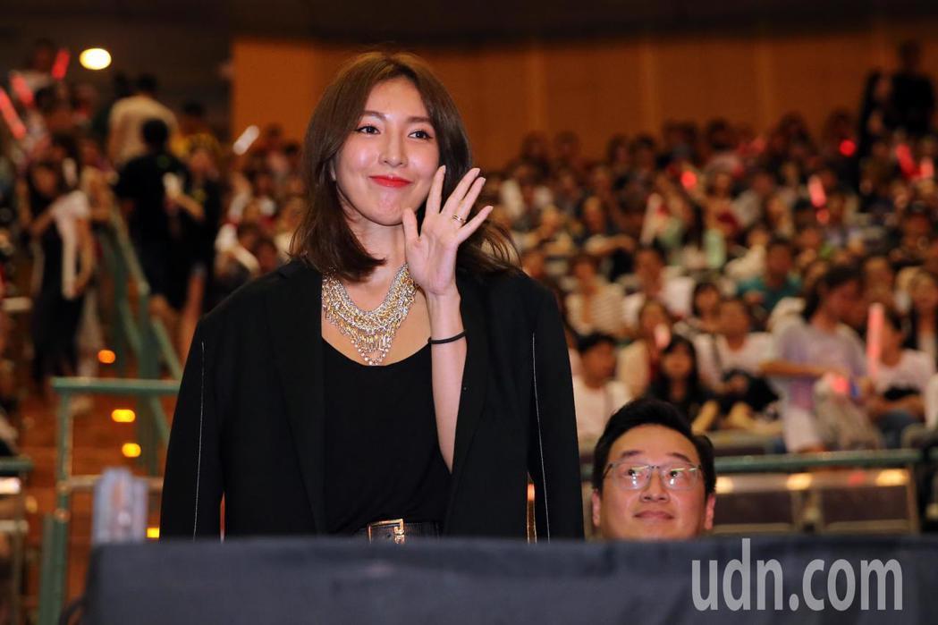 王力宏晚間在台北小巨蛋舉辦「龍的傳人2060」演唱會,不少圈內好友來觀賞演唱會,...