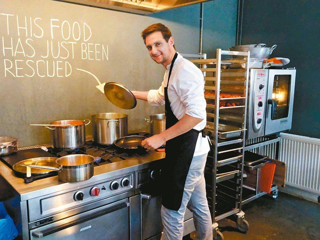 荷蘭Instock剩食餐廳是連鎖超市員工的內部創業案例。
