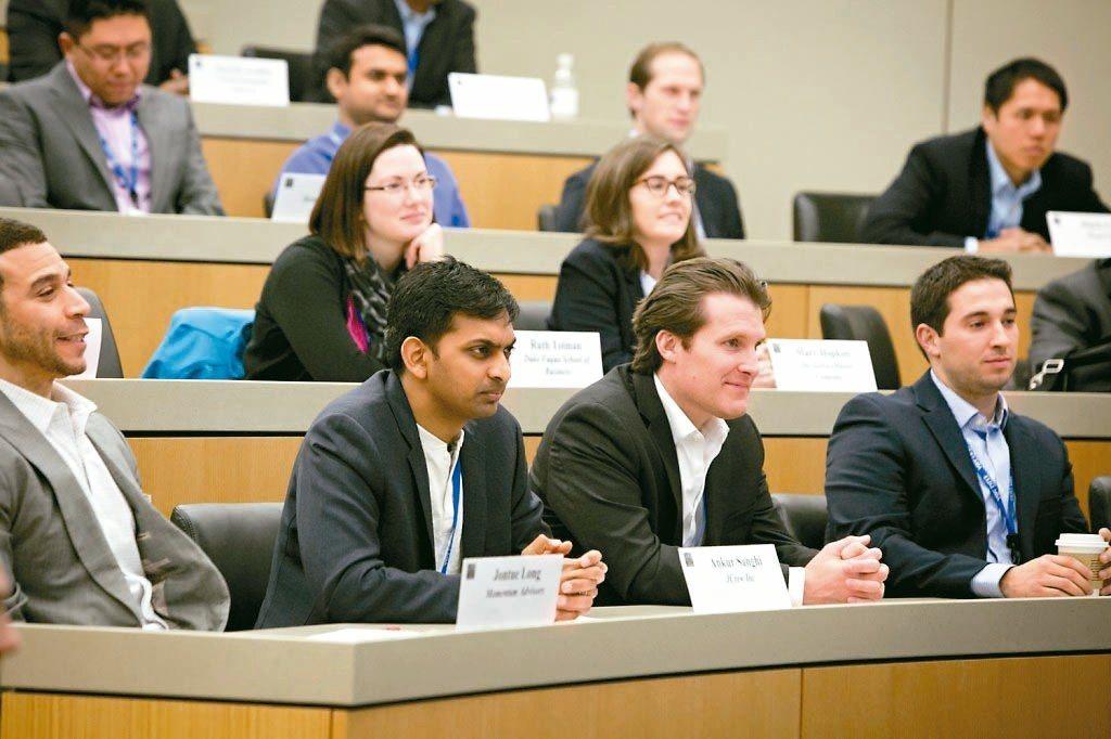 全美完整的兩年制MBA學位課程數,在2014年至2018年間少了9%。 網路照片