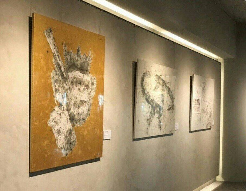 藝站Yizhan在台中海灣藝術酒店大廳藝廊展出新銳爆破藝術家雷悌的作品。 藝站 ...