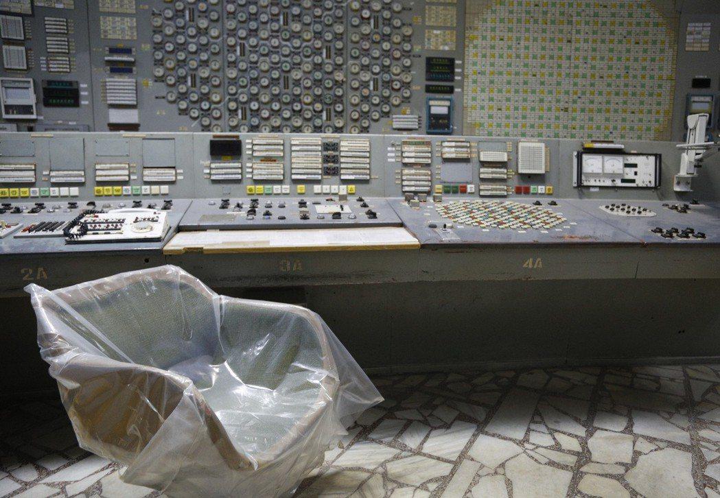 車諾比核電廠人去樓空,三號反應爐控制室仍保留當時的樣貌。(美聯社)