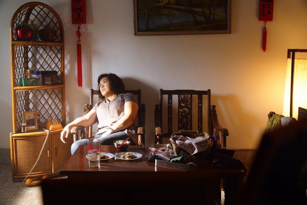 黃媽媽(陳碧娥)客串發生在自己的故事。圖/馬克吐溫國際影像公司提供