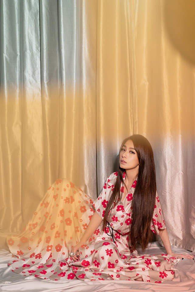 田馥甄身著小紅花洋裝,仙氣十足。圖/摘自臉書