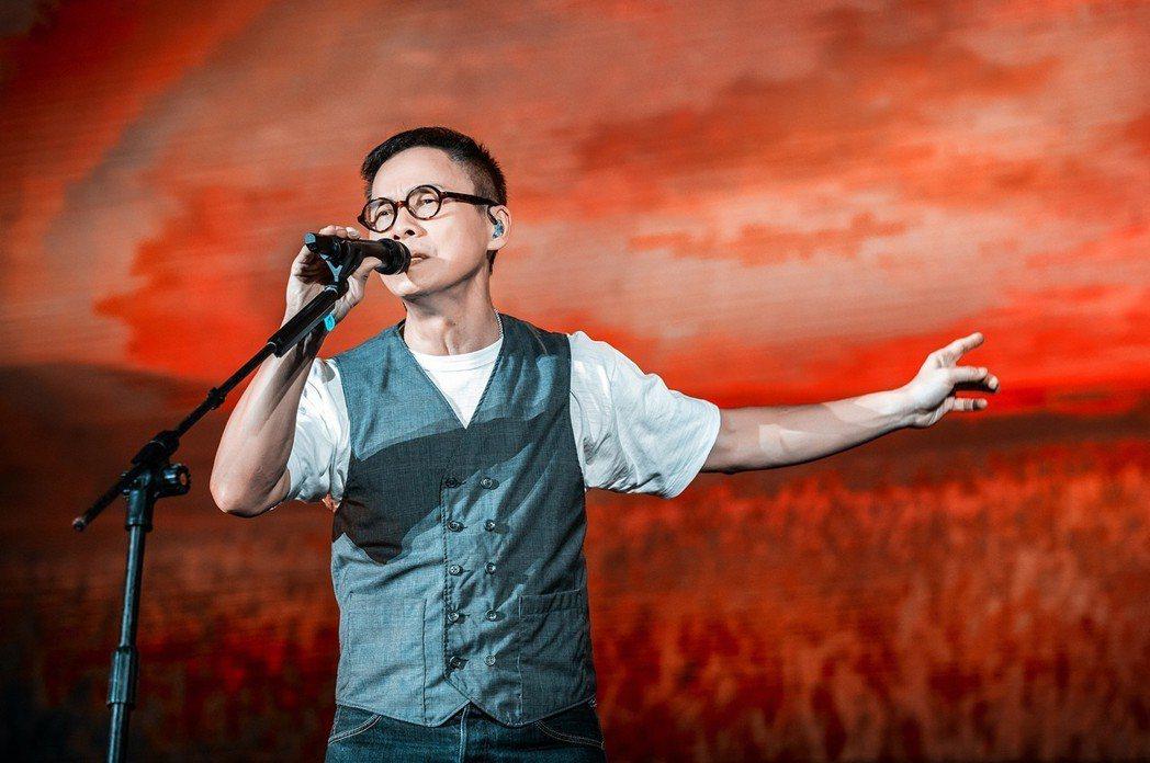 羅大佑在北京舉辦「當年離家的年輕人2.0-青春無悔追夢版」演唱會。圖/種子提供