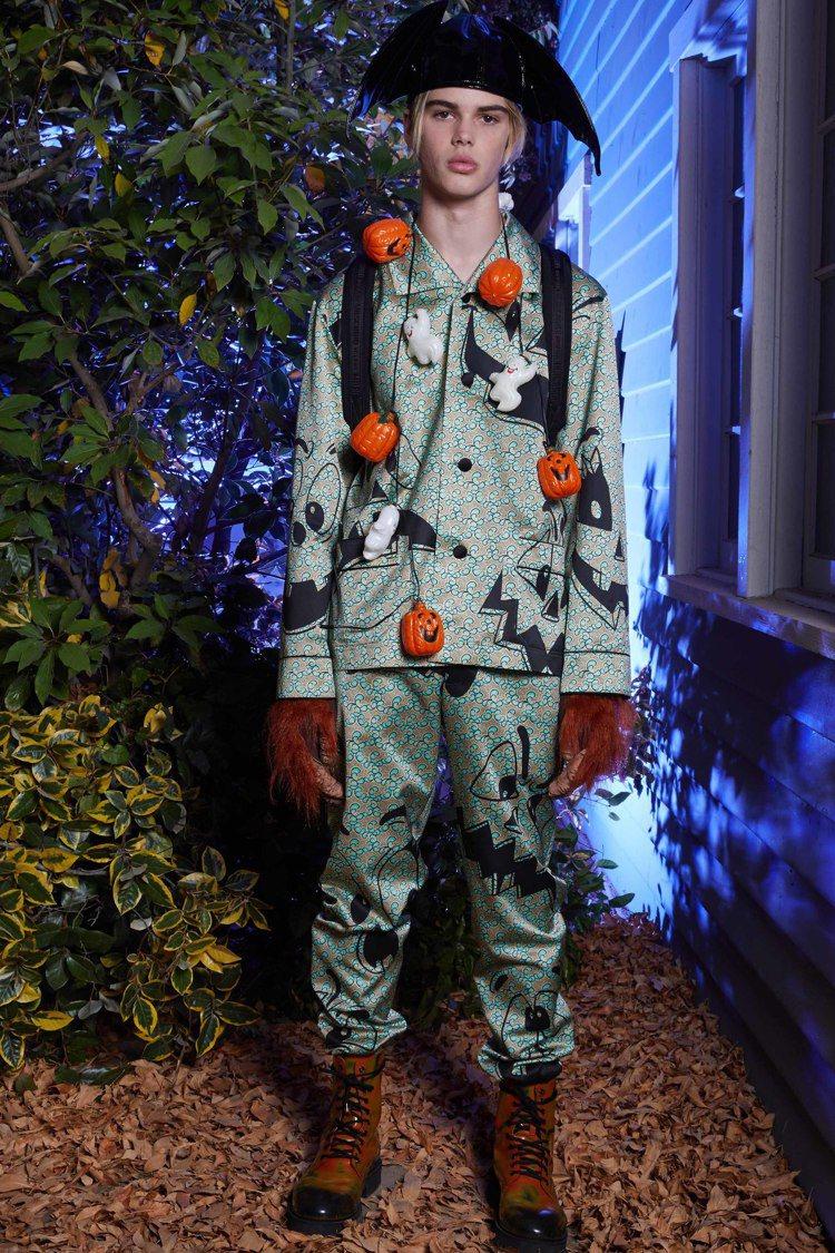 Moschino發表2020 春夏男裝暨早春女裝系列,發揮一貫不搞怪不罷休的創意...