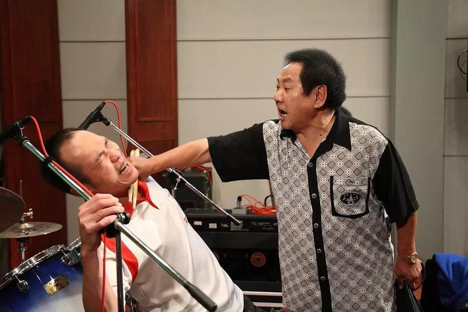 馬如龍(右)曾以「海角七號」拿下金馬獎最佳男配角。圖/果子電影提供