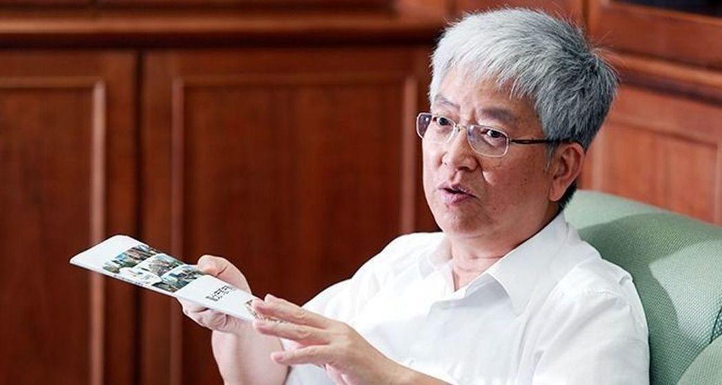 政大地政系特聘教授張金鶚表示,台灣房地持有稅過輕,持有房地的稅負竟比持有車子還輕...