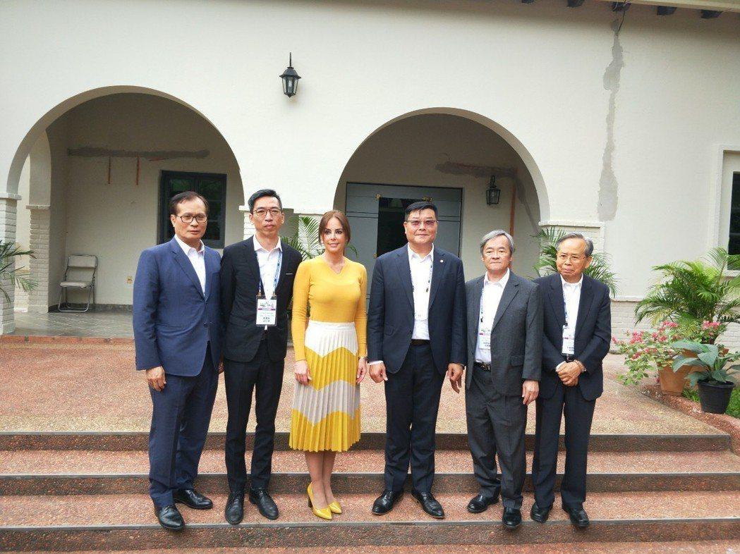 預計出任2019與2020年WTCC總會長一職,亞洲臺商會名譽總會長、現任新加坡...