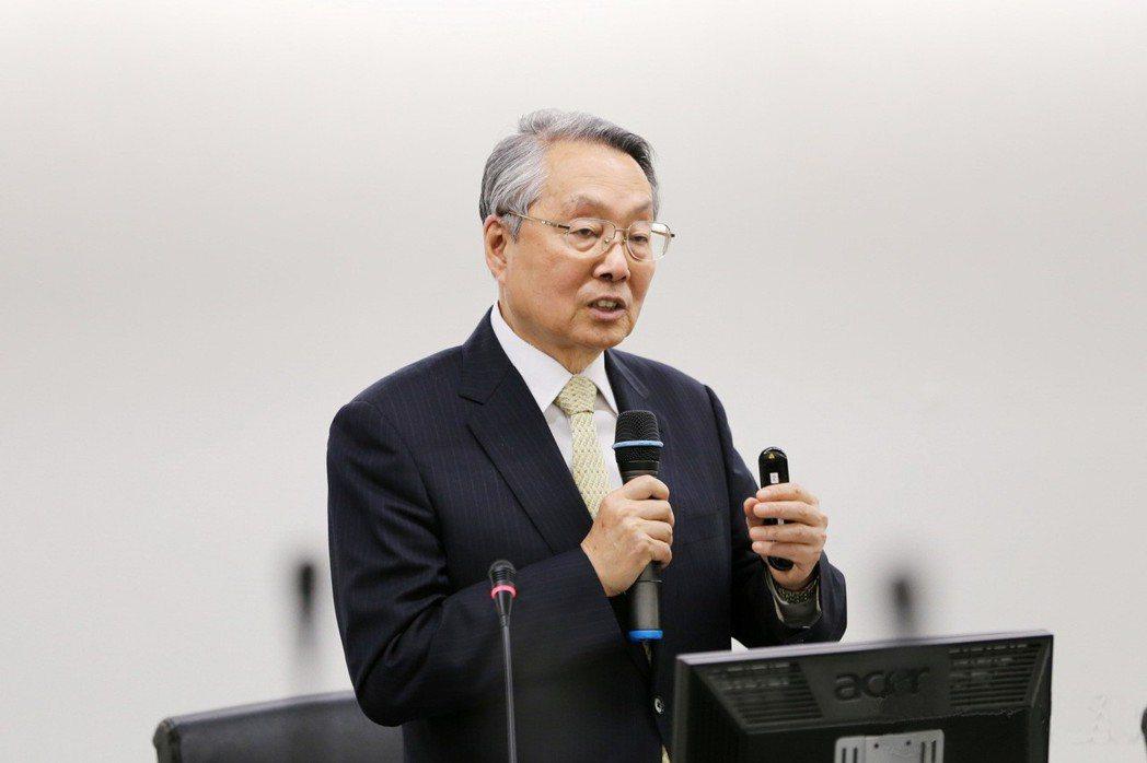 宏碁集團創辦人兼榮譽董事長亦是智榮基金會董事長施振榮。台灣傳統基金會/提供