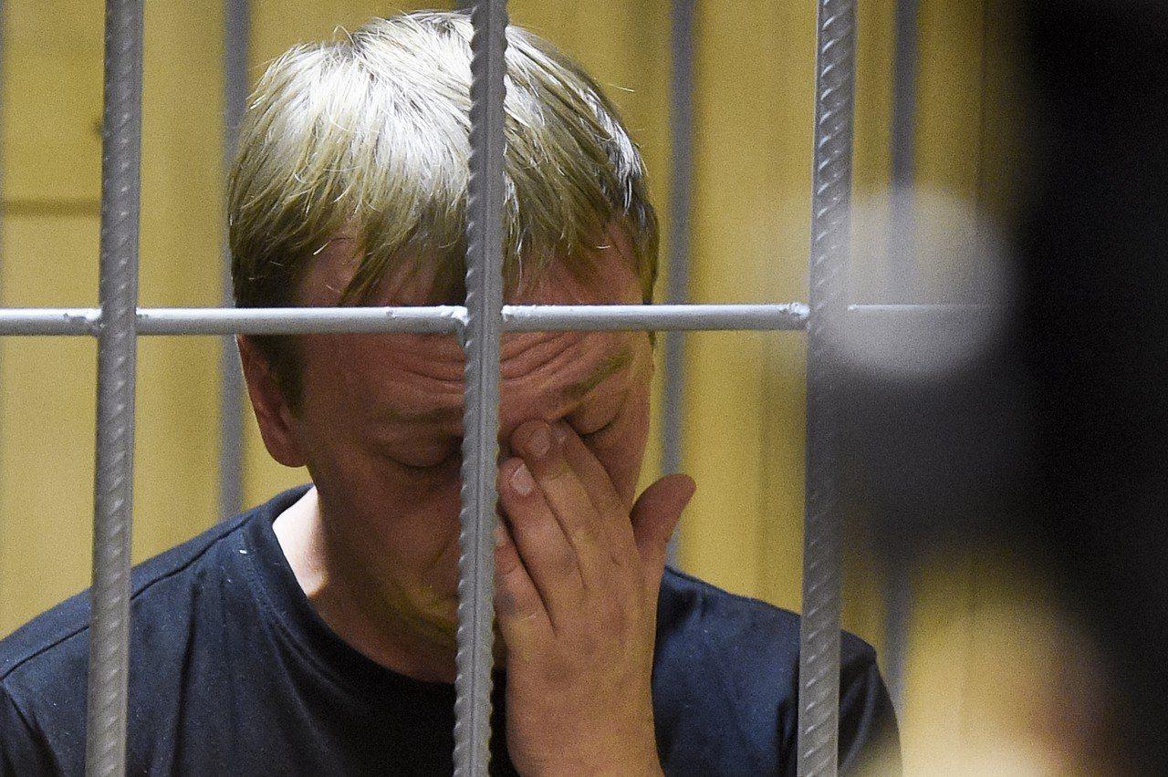 揭露莫斯科市官員貪腐而聲名大噪的36歲記者戈盧諾夫(Ivan Golunov),...