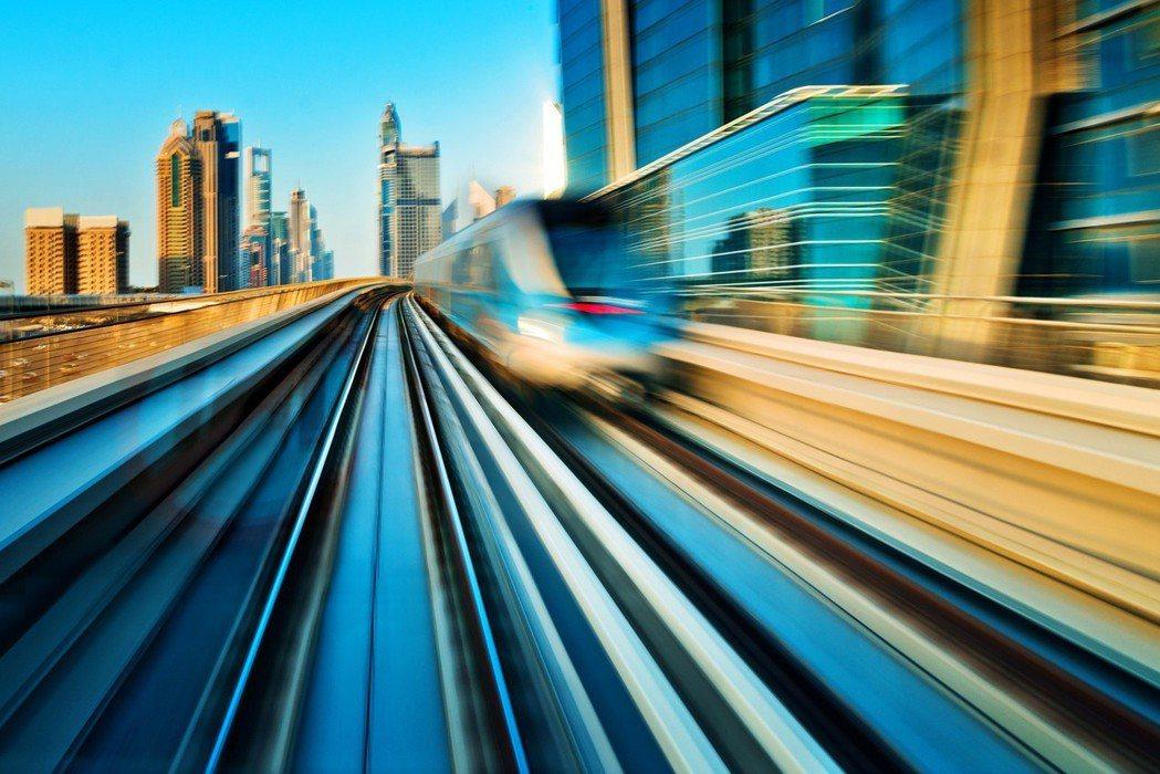 「大無限計劃」坐擁國道3號與65快速道路、未來清水交流道等優勢,現行捷運板南線、...