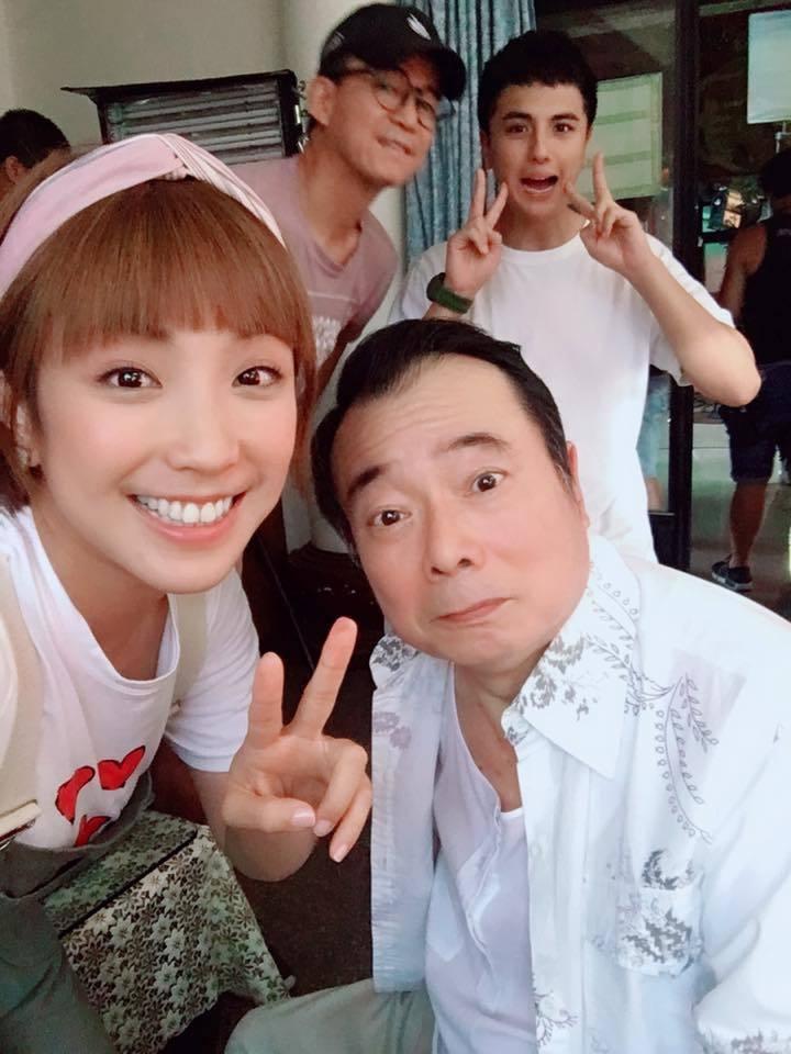 廖峻病後回歸拍戲,與同劇演員梁舒涵、曾之余一同合照。 圖/擷自曾之余臉書