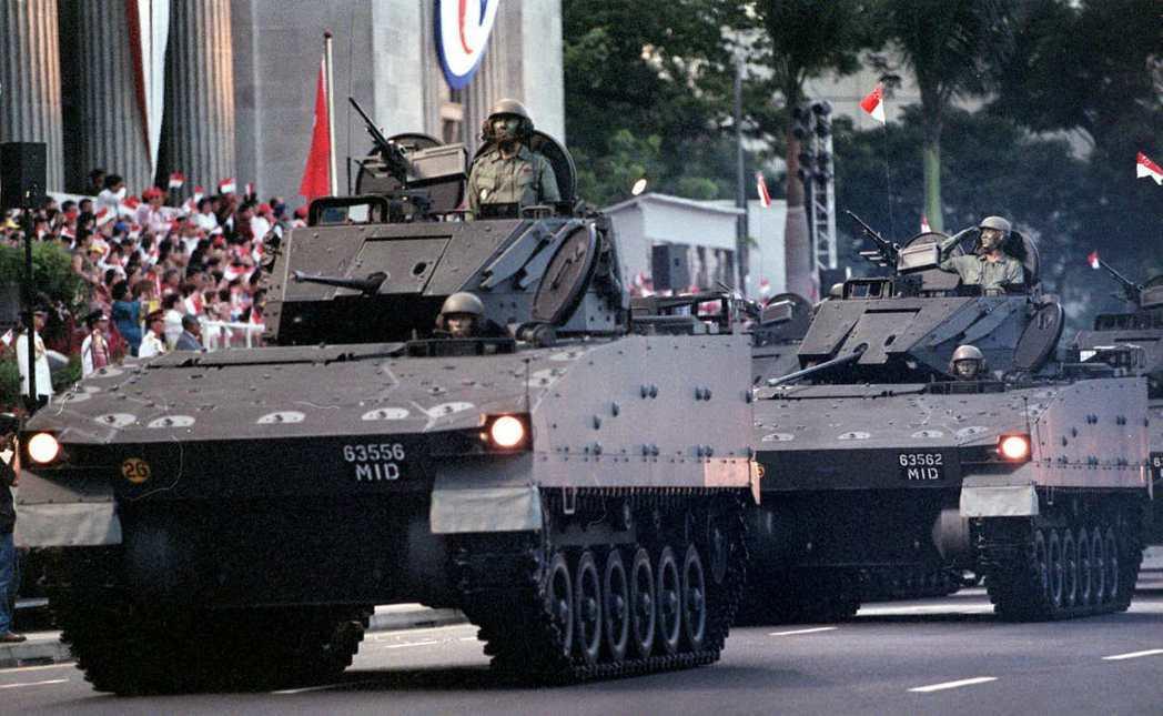 星国整体军力的国际排行并非特别突出,但在个别部门却有着极佳表现。像是陆军军力的武...