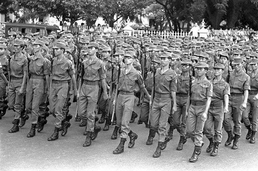 由以色列協助建立的第一代星國軍隊,本質上以防禦性的步兵為主,搭配小規模的空軍(由...