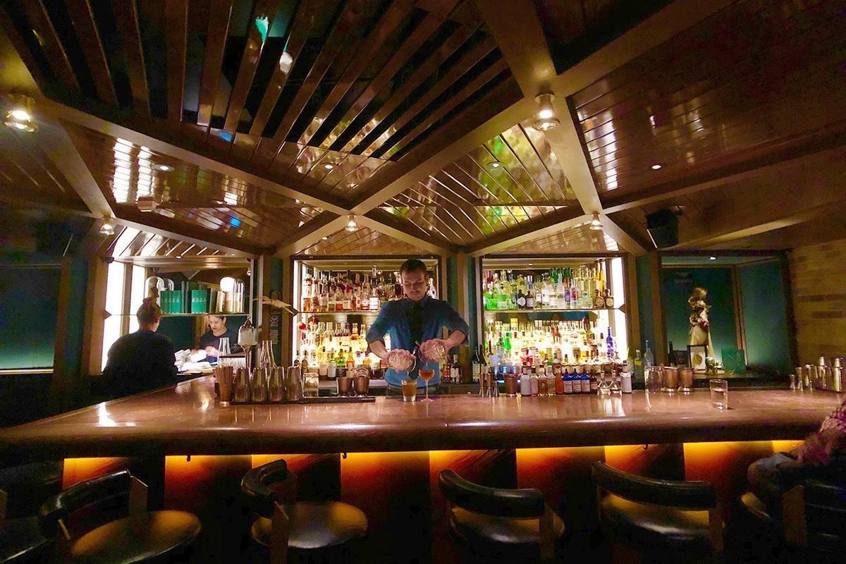 隱身文華酒店電話亭內 紐約來的「密室酒吧」在這