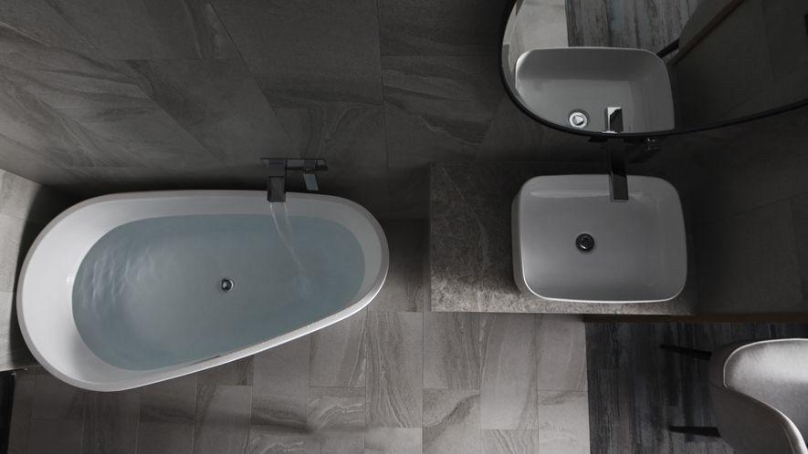 (圖)袁總監注重旅宿空間提供的「非日常」使用體驗,此處一改居家浴室封閉的場域想像...