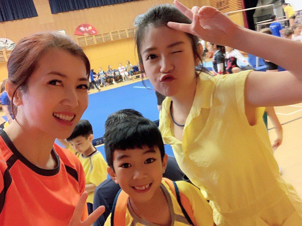 郭亞棠如約赴香港看廖家儀兒子體操比賽。圖/民視提供