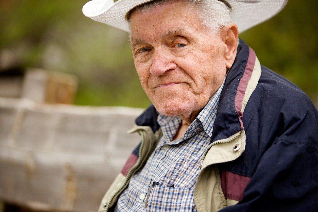 董氏基金會提醒國人提早規畫退休生活,能避免老年憂鬱上身。圖/ingimage
