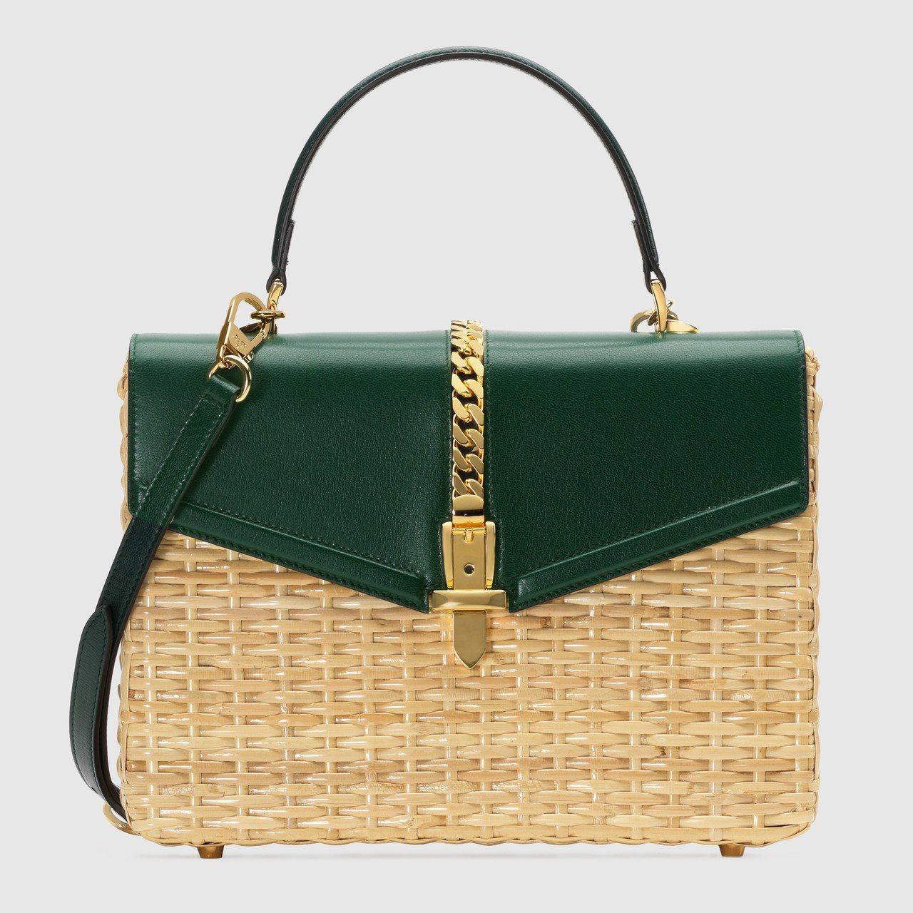 Gucci Sylvie柳條編織墨綠色提包,12萬6,400元。圖/Gucci提...