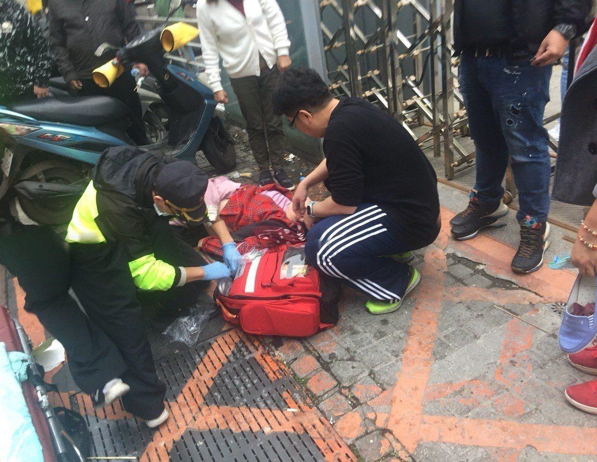 院長走春救回窒息婦一命 基隆醫院CPR訓練學員起勁