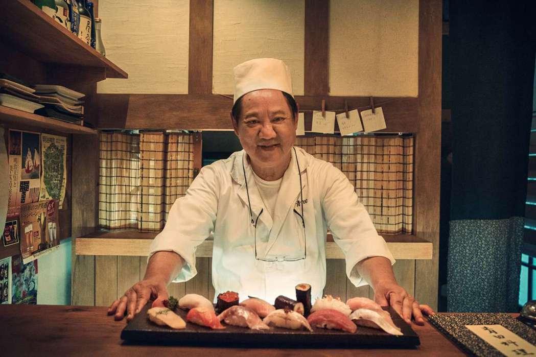 馬如龍在「靠近」中演出日本料理店老師傅。圖/公視提供