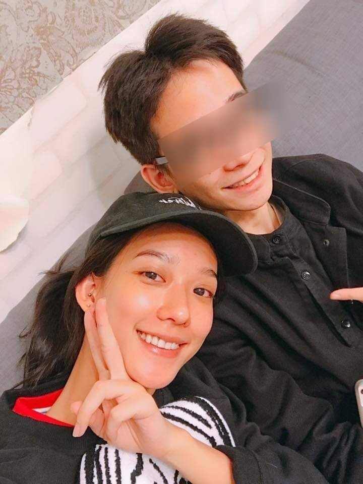 孟耿如(左)與弟弟感情很好。圖/摘自臉書